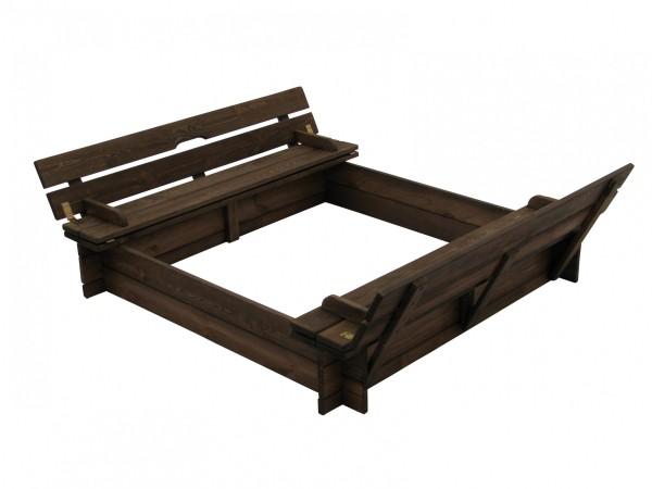Großer Sandkasten mit praktischen Sitzbänken
